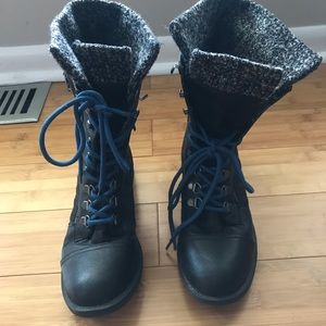 G by Guess black Combat boot 7 1/2